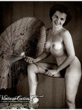 vintage-models-pose-nude-flirtatiously-showing-their-mesmerizing-natural-bodies