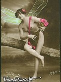 tender-vintage-beauties-pose-completely-naked-and-admire-their-body-lines