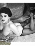 erotic-models-of-the-past-pose-topless-and-show-off-their-sexy-long-legs