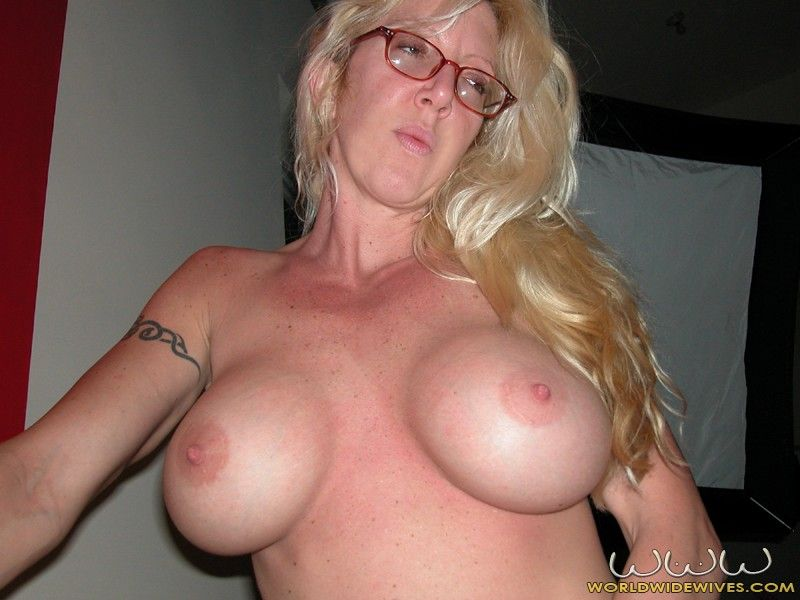 Breasty Blond Wife Gets A Blowjob Her Snatch Fucked