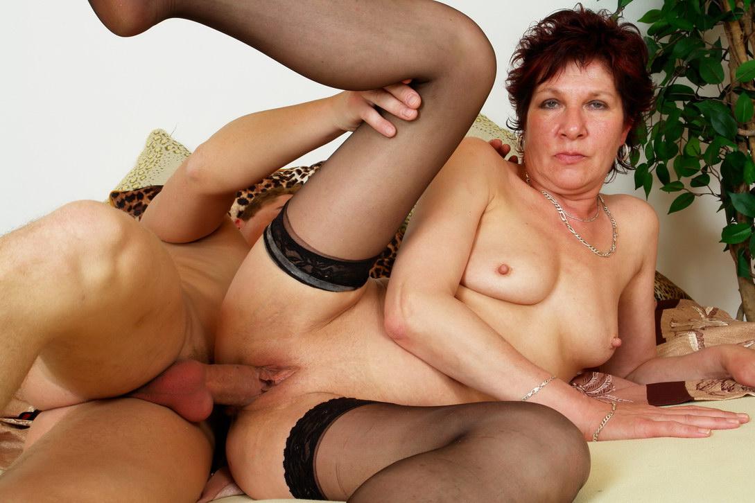 Смотреть внук бабушку в жопу фото 166-66